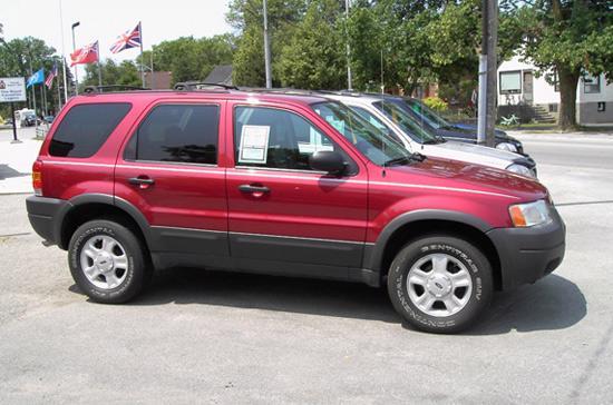 Ford Escape bị điều tra lỗi sau lần triệu hồi năm 2005.