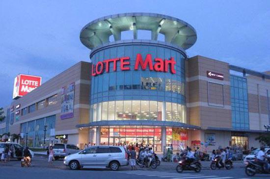 Lotte Mart từng cho biết sẽ đầu tư 5 tỷ USD để xây dựng 30 siêu thị tại Việt Nam trong vòng 15 năm.