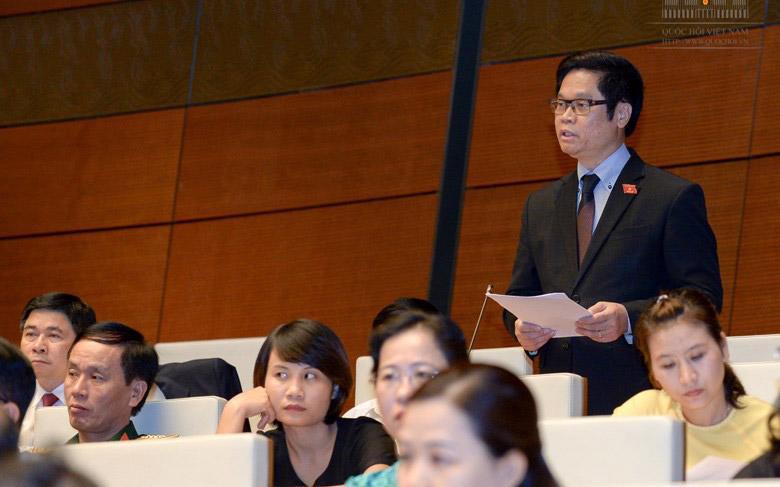 Chủ tịch VCCI Vũ Tiến Lộc phát biểu tại nghị trường.