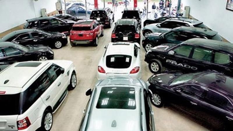 Xe ôtô cũ bị áp thuế nhập khẩu rất cao.