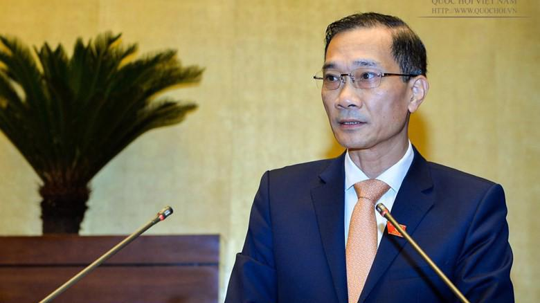 Chủ nhiệm Uỷ ban Kinh tế Vũ Hồng Thanh trình bày báo cáo giám sát