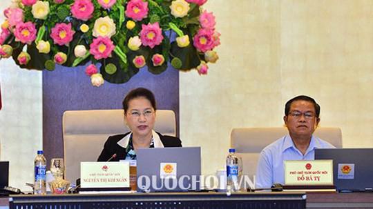 Chủ tịch Quốc hội Nguyễn Thị Kim Ngân điều hành phiên thảo luận.