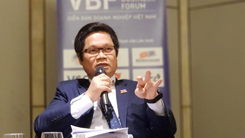 Chủ tịch VCCI Vũ Tiến Lộc trao đổi với báo chí trước thềm VBF 2018.