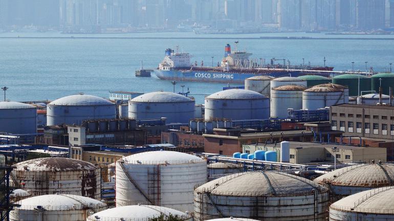 Bộ Tài chính Mỹ sẽ áp dụng các biện pháp trừng phạt với 5 thực thể có liên quan đến giao dịch dầu mỏ từ Iran, trong đó có một công ty Việt Nam - Ảnh: Reuters