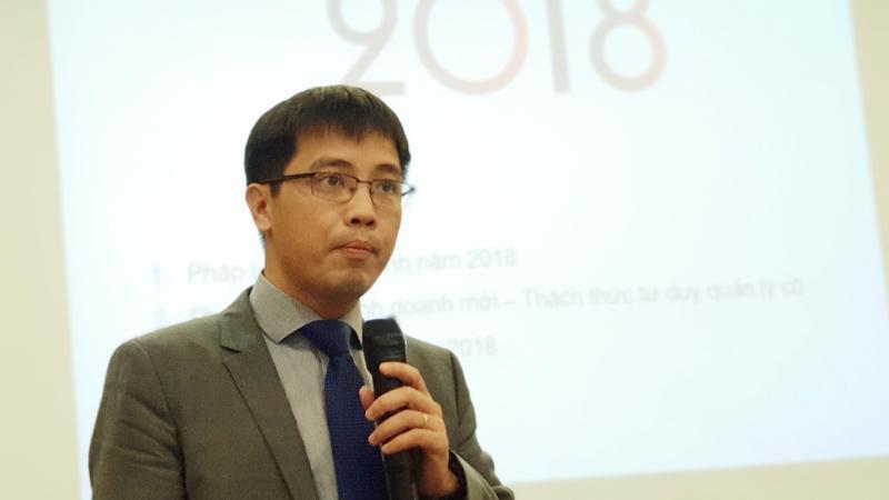 Ông Đậu Anh Tuấn, Trưởng ban Pháp chế VCCI trình bày khái quát báo cáo dòng chảy pháp luật kinh doanh 2018.