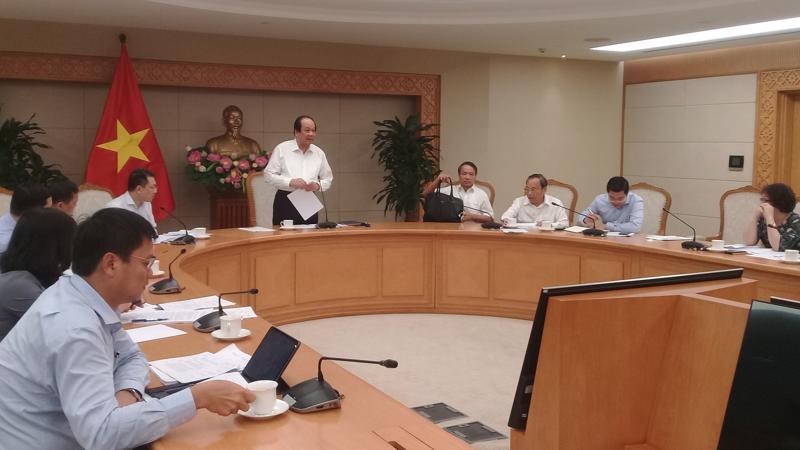 Bộ trưởng, Chủ nhiệm Văn phòng Chính phủ Mai Tiến Dũng chủ trì buổi làm việc với các bộ ngành ngày 30/5.