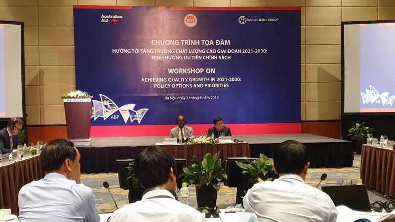 Toạ đàm Hướng tới tăng trưởng chất lượng cao giai đoạn 2021-2030 do Bộ Kế hoạch và Đầu tư và WB tổ chức sáng 7/6