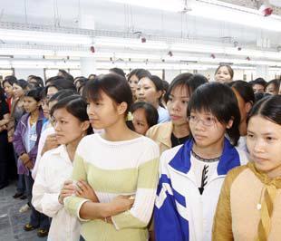 Thị trường lao động sẽ tiếp tục xu hướng giảm cầu, chủ yếu là lao động phổ thông và trung cấp.