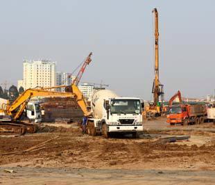 Chính phủ cho phép ủy ban nhân dân Tp.HCM và thành phố Hà Nội khởi công xây dựng trong năm nay 200.000 chỗ ở cho học sinh, sinh viên với tổng vốn đầu tư khoảng 8.000 tỷ đồng từ nguồn trái phiếu Chính phủ.