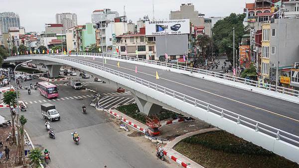 Hà Nội chủ trương làm khá nhiều cầu vượt tại các nút giao thông trọng điểm.