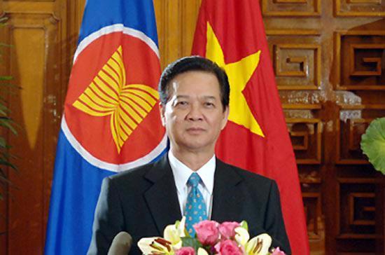 Thủ tướng Nguyễn Tấn Dũng chuyển đến các nhà lãnh đạo và nhân dân các nước ASEAN, các nước Đối tác của ASEAN và bạn bè quốc tế thông điệp của hòa bình, đoàn kết, hữu nghị và hợp tác phát triển - Ảnh: Nhật Bắc.