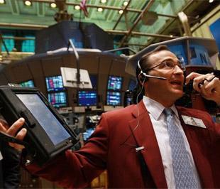 Trong tuần, chỉ số Dow Jones tăng 0,4%, chỉ số S&P 500 tiến thêm 0,27% và chỉ số Nasdaq lên 0,39% - Ảnh: Getty Images.