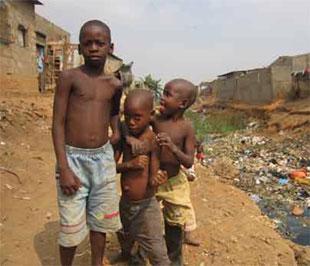 Theo thống kê của Liên hiệp quốc và Liên minh châu Phi, đến nay số tiền viện trợ của các nước giàu cho châu Phi chỉ còn bằng 1/4 con số cam kết ban đầu.