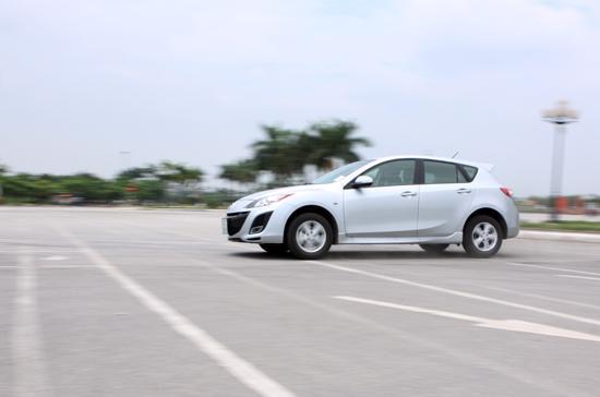 Hệ thống chống va chạm mới chỉ được áp dụng trên các dòng xe Mazda3 - Ảnh: Bobi.