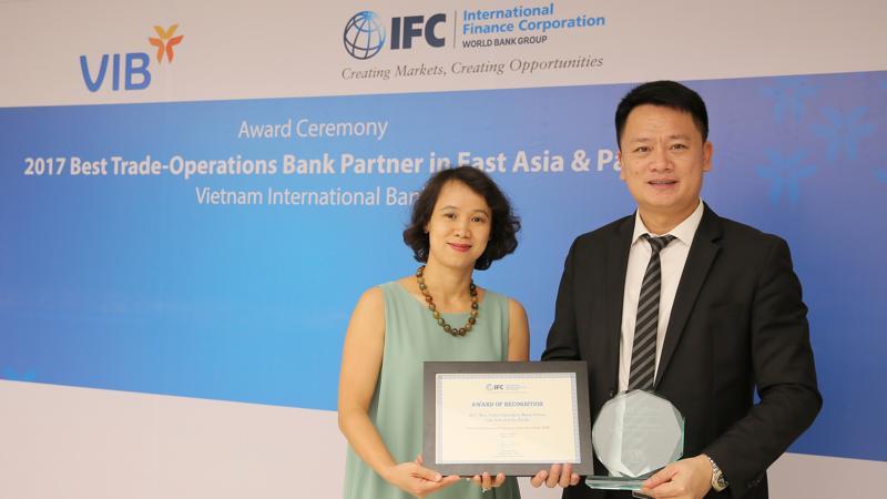 VIB là ngân hàng duy nhất trong số các ngân hàng phát hành đối tác của IFC tại Châu Á -Thái Bình Dương được nhận giải thưởng này.