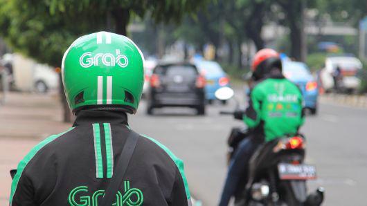 Tài xế Grab Bike đợi khách ở Jakarta, Indonesia - Ảnh: Getty/CNBC.