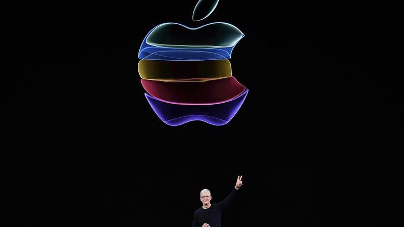Tổng giám đốc (CEO) Tim Cook của Apple trong lễ giới thiệu sản phẩm ngày 11/9 - Ảnh: Bloomberg.