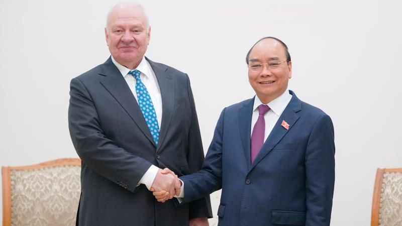 Thủ tướng Nguyễn Xuân Phúc tiếp Đại sứ Nga tại Việt Nam Konstantin Vnukov - Ảnh: VGP