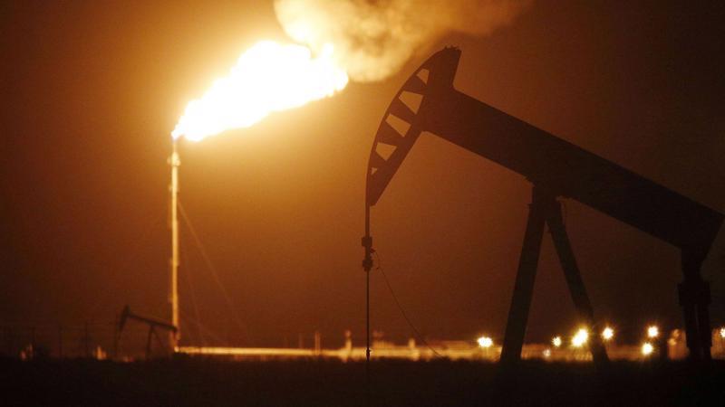 giá dầu tại sàn New York tăng 2,8% lên 38,7 USD/thùng - Ảnh: Getty Images.