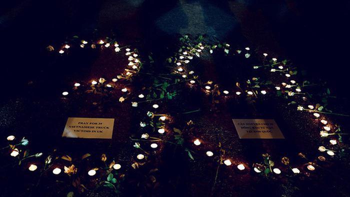 Đến 20h ngày 7/11/2019, Bộ Công an Việt Nam và cơ quan thực thi pháp luật của Anh xác định 39 nạn nhân thiệt mạng trong container được phát hiện tại hạt Essex, Đông Bắc London, Vương quốc Anh vào ngày 23/10/2019 đều là người Việt Nam.