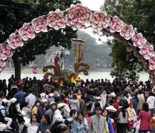 Theo số liệu của Tổng cục Thống kê, tính đến năm 2007, dân số của Việt Nam là 85,155 triệu người, mật độ dân số đạt 257 người/km2 - Ảnh: Reuters.