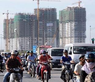 Thứ trưởng Bộ Xây dựng Nguyễn Trần Nam cho biết, dù thị trường bất động sản mới chỉ đóng góp khoảng 10% cho GDP, nhưng ảnh hưởng và tầm quan trọng của thị trường này đối với nền kinh tế là rất lớn.
