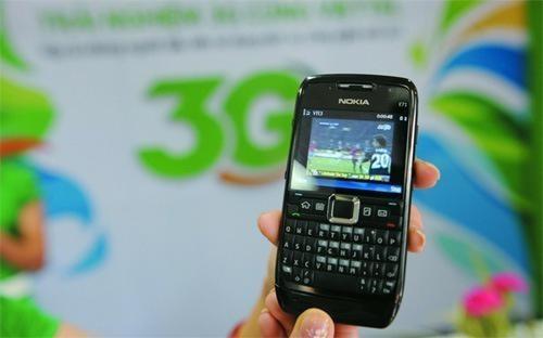 Từ ngày 16/10/2013, việc cả ba mạng di động Viettel, VinaPhone và  MobiFone đồng loạt tăng giá cước 3G và đều tăng gói cước không giới hạn  dung lượng với giá cao nhất từ 50.000 - 70.000 đồng (tương đương 40%) ít  nhiều đã tạo ra sự không đồng thuận và bức xúc trong dư luận.