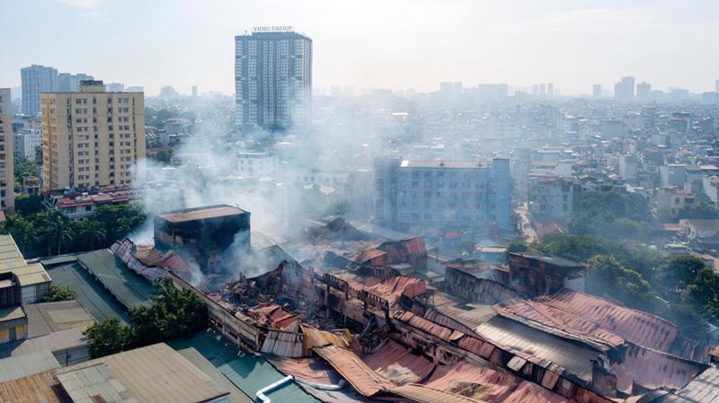 Dù là cơ sở gây tiềm ẩn mất an toàn cháy nổ, ô nhiễm môi trường nhưng Nhà máy của Công ty Rạng Đông lại không nằm trong danh sách phải di dời trước 2020.