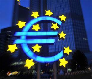 Biểu tượng của đồng Euro phía trước trụ sở của Ngân hàng Trung ương châu Âu (ECB) tại Frankfurt, Đức - Ảnh: AFP/Getty Images.