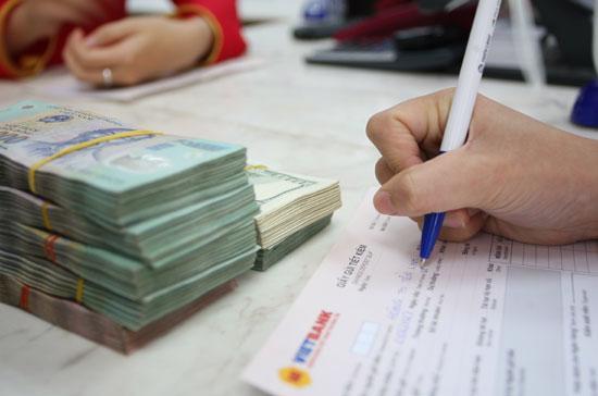 Cạnh tranh về lãi suất giữa các ngân hàng, các khối ngân hàng đang dần thu hẹp.