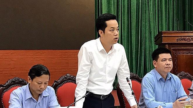 Chánh văn phòng UBND thành phố Hà Nội Vũ Đăng Định trao đổi với báo chí chiều 22/10.