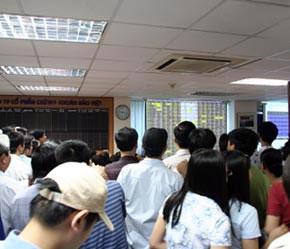 Tại sàn Hà Nội, khối lượng giao dịch tăng mạnh.