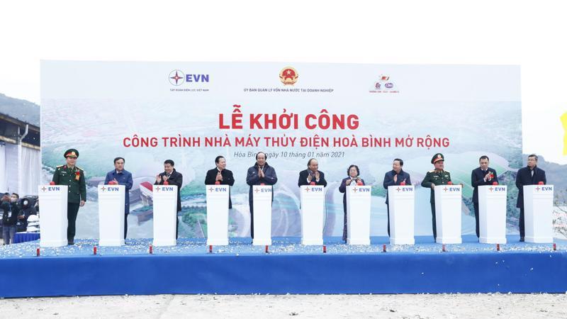Thủ tướng Nguyễn Xuân Phúc tham dự lễ khởi công dự án nhà máy thuỷ điện Hoà Bình mở rộng.