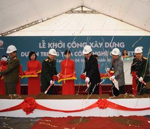 Lễ khởi công xây dựng Trung tâm Công nghệ cao Viettel - Ảnh: Đức Thọ.