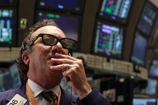 Thị trường đảo chiều vào phút chót - Ảnh: Reuters.