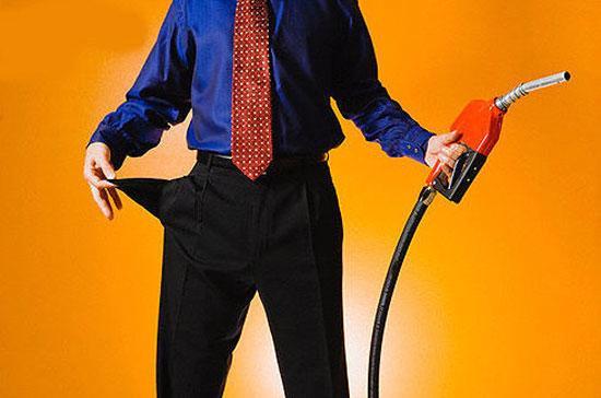Kêu lỗ là điệp khúc thường thấy của các doanh nghiệp xăng dầu trong nhiều năm qua - Ảnh minh họa.