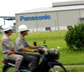 Trong năm 2006, Việt Nam đã đón nhận lượng vốn FDI lớn nhất từ trước nay: 10,2 tỷ USD - Ảnh: Việt Tuấn.