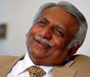 """Người dân Ấn Độ đã tôn vinh Naresh Goyal là """"Phillip Green của Ấn Độ""""."""