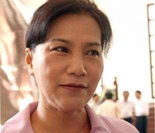 Bộ trưởng Kim Ngân trao đổi với báo chí - Ảnh: P.Thảo.