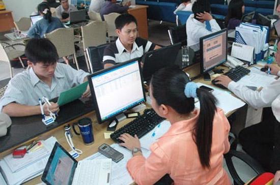 Theo ông Trần Văn Dũng - Tổng giám đốc Sở Giao dịch Chứng khoán Hà Nội (HNX), năm 2010 sẽ có ít nhất 10 doanh nghiệp chuyển từ UPCoM lên niêm yết, đi đầu là khối công ty chứng khoán, tiếp đến là dầu khí.