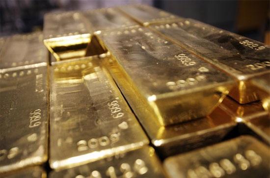 Tuần này, giá vàng thế giới tăng 1,7%, thấp hơn mức tăng 2% của giá vàng trong nước. Đây đã là tuần tăng giá thứ 8 của vàng giao ngay - Ảnh: Getty.