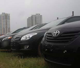Ôtô sẽ chịu nhiều ảnh hưởng từ mức thuế tiêu thụ đặc biệt mới - Ảnh: Đức Thọ.