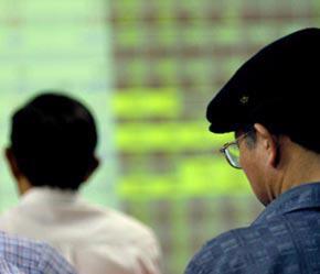 Những mức phạt vi phạm quá nhẹ sẽ không góp phần tạo sự bình ổn và công bằng trên thị trường chứng khoán - Ảnh: Việt Tuấn.