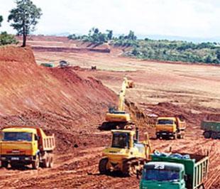 Một góc khu mỏ bauxite thuộc dự án Nhân Cơ (Đắc Nông) - Ảnh: SGTT.