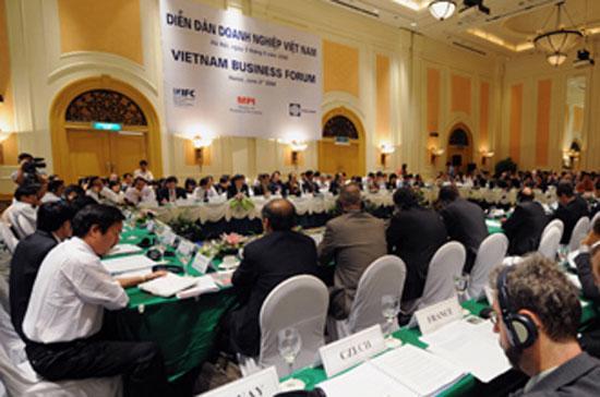 Diễn đàn Doanh nghiệp Việt Nam hoạt động nhờ vào sự tài trợ của World Bank, IFC và các nhà tài trợ khác.