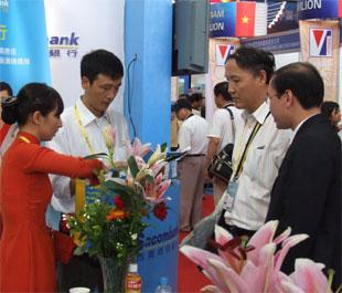 Sacombank giới thiệu sản phẩm - dịch vụ tại CAEXPO (Trung Quốc).