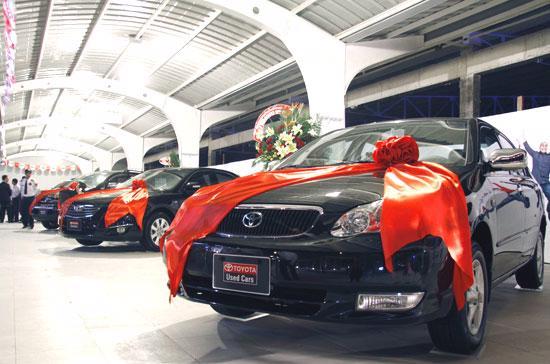 Các loại xe đã qua sử dụng được trưng bày tại đại lý Toyota Đông Sài Gòn.