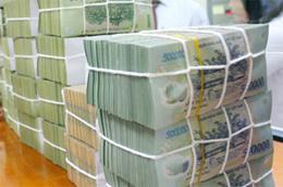 Chưa thể khẳng định chênh lệch lãi suất tiền gửi giữa VND và USD để thu hút thêm tiền tiết kiệm bằng VND khi lạm phát trong tháng Giêng và tháng Hai của Việt Nam ở mức khá cao.