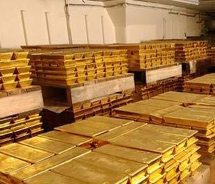 """Trong những phiên giao dịch gần đây, vàng liên tục phải """"vật lộn"""" để duy trì mốc 800 USD/oz."""