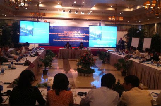 Quang cảnh hội thảo tham vấn quốc tế về cải cách chính sách tài khóa tại Hội An (Quảng Nam), diễn ra trong hai ngày 15-16/9 - Ảnh: Anh Quân.